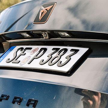 3D-Kennzeichen am Cupra